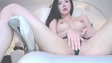 korean bj neat shows pussy and masturbates