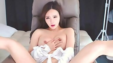 Cumming all over her fingers  BJ Neat (青草진서)
