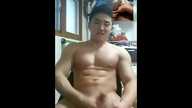 [leaked] korean athletic student masterbates for a girl face cumshot