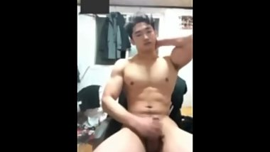 korean muscle hunk 02