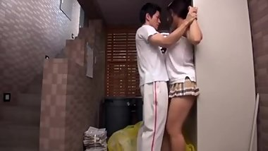 Japanese Teaches Neighbor of Benefit , ss2r.cc/xporn19