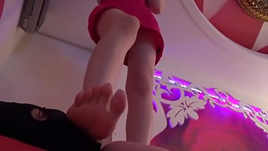 Korean Foot Goddess Trample