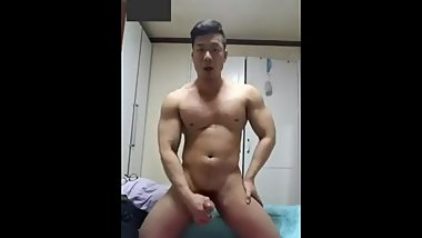 Korean bodybuilder 1