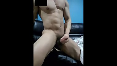 korean muscle guy_4