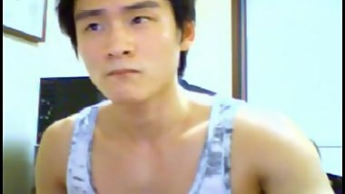 Korean muscle guy webcam