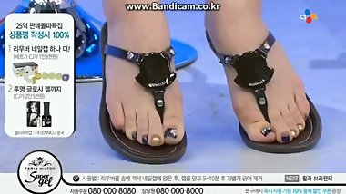 Super cute KOREAN feet in sandals