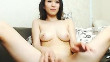 Asian Cam Girl Rubbing Pussy