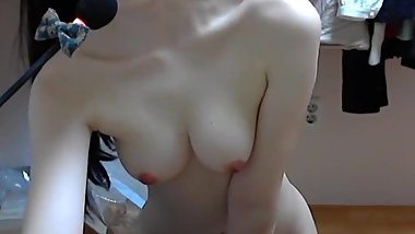 Korean girl show her pussy and masturbate on webcam