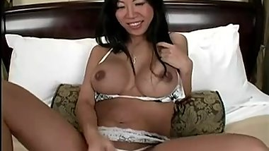 Tia Ling - Lactating mommy JOI