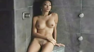 Nicole Oring Masturbating In Shower