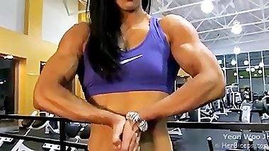 Asian Female Bodybuilder Hulking Out